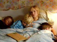 13 augustus 2012: Kiezen. Foto: Kristen Bell als Gracie Thompson  in Gracie's Choice, maakt een ongewone en moeilijke, maar voor haar juiste ouderschapskeuze