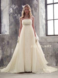 Wedding Flower Girl Dresses, White Wedding Dresses, White Gowns, Bridal Gowns, Wedding Gowns, Wedding Costumes, Fantasy Wedding, Beautiful Gowns, Wedding Bride