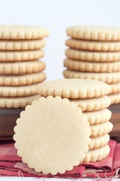 Vanilla Cut Out Cookies Recipe - from RecipeGirl.com - these are a great holiday Christmas cookie for decorating.
