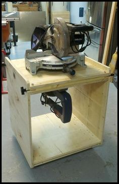 Flip-Top Tool Stand - read down in the forum for the plans.