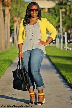 Curves and Confidence   Inspiring Curvy Women One Outfit At A Time: Weekend Wear: Gap Jeans