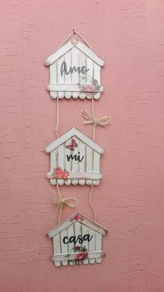 Craft Stick Projects, Craft Stick Crafts, Easy Crafts, Paper Crafts, Diy Crafts For Home Decor, Crafts For Kids, Little Girl Crafts, Popsicle Stick Crafts House, Miniature Crafts