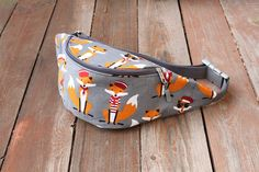 Check out our fanny packs selection for the very best in unique or custom, handmade pieces from our shops. Fanny Pack Pattern, Mr Fox, Love Sewing, Leather Wallet, Sailor, Hand Weaving, Couture, Tote Bag, Purses