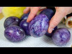 Vopsiți ouă fără substanțe chimice în mod original - destul de natural / Vopsiți ouă de Paște - YouTube Easter Traditions, Easter Colors, Healthy Dishes, Easter Eggs, Blueberry, Recipies, Homemade, Fruit, Decoupage