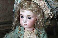 Wonderful Bebe Jumeau Long face Size 12 - Castellidoll