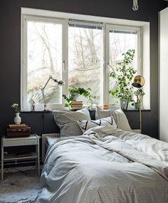 A Simple and Relaxing Bedroom Today on http://ift.tt/1hF2ekj #Gothenburg #GothenburgRealEstate #Sweden #greywalls #bedroom #bedroomdesign #scandinaviandecor #scandinaviandesign by michelleshantz