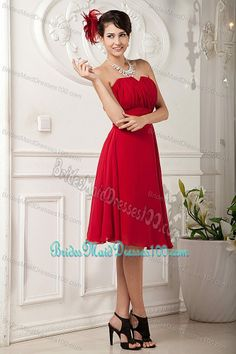 Free Shipping Chiffon Knee-length Ruched Red Bridesmaid Dress