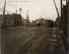 The intersection of Queen and King Streets, Corktown, 1907.
