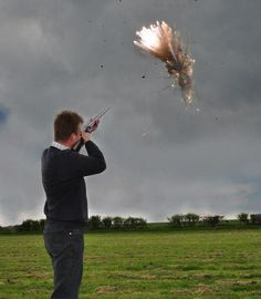 Shooting Star Exploding Clay Pigeon Targets