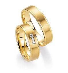 Moderne geelgouden trouwringen.Deze ringen zijn de TOPPERS uit onze collectie moderne geel met gouden trouwringen.  - € 550,00