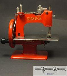 seltene Kinder Nähmaschine Singer 20 in rot von oldfamiliar1,