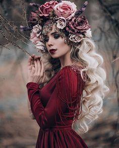 @ekrutova  MUAH: @tomusia__  Dress: @zalevskaya_design  Kokoshnik: @art.maska  #mistery #fairytale #red #photographyeveryday #photographer #photoshoot #photosession #photooftheday #photoday #art #model #russianmodel #фотографспб #фотосессия #фотограф #фотодень #фотодня #осень #красиво #сказка