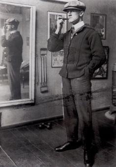 George Grosz in his atelier, Berlin, ca 1920 -nd  [+]from: Rainer Metzger, 'Berlin - Les années vingt (Art et culture, 1918-1933)', Éd. Hazan, 2006. Original title: Berlin - Die Zwanziger  Jahre (2006)