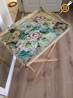 Ahşap Boyama Tepsi Modelleri 164 Adet-Ahşap Tepsi Boyama Ve Süsleme – Keep up with the times. Shabby Vintage, Shabby Chic, Wooden Painting, Diy Holz, Wooden Decor, Wooden Tables, Decorative Objects, Painted Furniture, Diy And Crafts