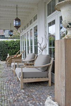 Lintérieur Beukenhof Page daccueil.  Outdoor living cobblestone patio