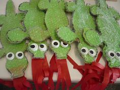 Compartint mirades: DRACS Kids Crafts, St Georges Day, Roald Dahl, Saint George, Animal Crafts, Art Activities, Chinese New Year, Spring Crafts, School Projects