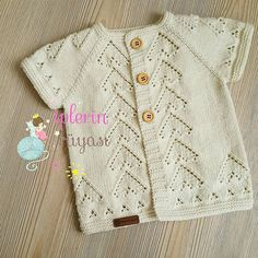 Good evening, I& prepared for my new wife . Crochet Kids Hats, Knitting For Kids, Baby Knitting Patterns, Hand Knitting, Knit Crochet, Baby Cardigan, Baby Pullover, Bebe Baby, Baby Boy Photos