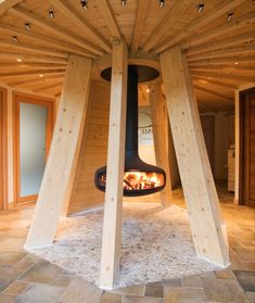 The UFO-like Domespace rotating wooden house . Dome Structure, Geodesic Dome Homes, Earthship Home, French Architecture, Dome House, Round House, Wooden House, Interior Design Inspiration, Building A House