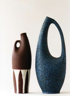 Jan 2020 - We've made a careful selection of home accessories, since the sparkling vases and ornaments to sumptuous tabletop pottery and ceramics. See more ideas about Home accessories, Pottery and Decor. Pottery Sculpture, Sculpture Clay, Pottery Vase, Ceramic Pottery, Ceramic Clay, Ceramic Vase, Keramik Design, Sculptures Céramiques, Pottery Designs