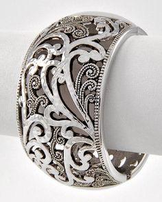 Silver Cuff Bracelet- would be beautiful with a bright colored dress! I Love Jewelry, Jewelry Box, Jewelry Accessories, Jewelry Design, Jewelry Making, Silver Cuff, Silver Bracelets, Bangle Bracelets, Silver Jewelry