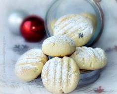 Crispy Currant Butter Biscuits to Nibble on in the New Year Butter Cookies Recipe, I Foods, Cookie Recipes, Biscuits, Sweet Treats, Favorite Recipes, Bread, Baking, Crack Crackers
