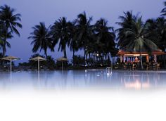 Shangri-La's Rasa Sentosa Resort and Spa, Singapore  offer a variety of sea sports such as diving, snorkeling and others suitable for water and diving enthusiasts.