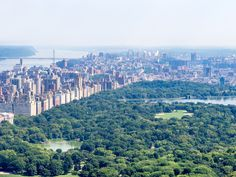 New York City Spa Guide to the best spa centers in NYC with upscale facilities of well-being and peace, and the best places to relax in the city. Spa Center, Best Spa, Travel Guides, New York City, The Good Place, Relax, Nyc, Wellness, River