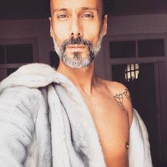 """Mi piace"": 164, commenti: 8 - Stylist (@pedro.crispim) su Instagram: ""🌫 Mr Grey | Mink coat @novos.conceitos"""
