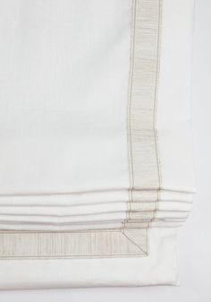 Roman Shade in Robert Allen Milan Solid Pearl Linen with Samuel and Sons Gresham Tweeded Border Trim (comes in 18 colors) Linen Roman Shades, Custom Roman Shades, Plywood Furniture, Furniture Design, Chair Design, Modern Furniture, Hollywood Regency, Tapestry Headboard, Relaxed Roman Shade