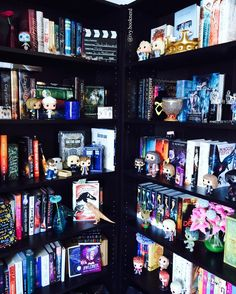Good Morning I think I've never posted a shelfie have I? this is one of my three bookshelves and actually my favorite one. But I cant wait to move into our new apartment which will be around summer this year and where I will have my own little library Have a great Tuesday and HAPPY SHADOWHUNTERS DAY which is indeed a happy day now that they have announced that there will be a second season sooo excited! . . . {#readmorebooks #reading #readingissexy #booknerd #booknerdigan #bookobsession…