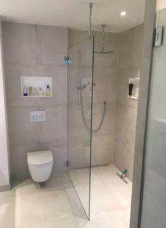 Klar begehbare Dusche mit Stabilisierung an der Decke …. Clear walk-in shower with stabilization on the ceiling … Bathroom Toilets, Bathroom Renos, Master Bathroom, Bathroom Remodeling, Remodeling Ideas, Bathroom Makeovers, Bathroom Vanities, Bathroom Design Small, Bathroom Layout