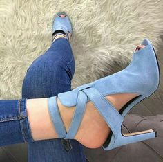 Muchidzi Light Blue Jeans Outfit, Light Blue Heels, Blue Shoes Outfit, Blue Suede Shoes, Suede Heels, Heels Outfits, Strappy Heels, Stilettos, Pumps