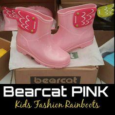 READY STOCK KIDS RAINBOOTS KODE : BC Pink Size 15cm,18cm,21cm PRICE : Rp.210.000,- DETAIL SIZE (insole) : - Size 15cm >> setara size 24/25 - Size 18cm >> setara size 29/30 - Size 22cm >> setara size 35  FOR ORDER : SMS/Whatsapp 087777111986 PIN BB 766a6420 Facebook : Mayorishop  #pusatsepatubootsanak #kidsrainboots #fashionrainboots #rainboots #bootshujan #sepatuantiair #sepatuhujan #bootshujan #sepatukaret #candyshoes #rubbershoes #sepatuanak #sepatulucu #bootsimport #readystock… Kids Rain Boots, Rubber Rain Boots, Pink Kids, Hunter Boots, Happy Shopping, Kids Fashion, Cute, Shoes, Collection