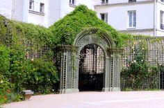 Paris : Le jardin Anne Frank, îlot de verdure méconnu - IIIème | Paris la douce
