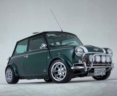 Mini Cooper Mini Cooper S, Mini Cooper Classic, Classic Mini, Classic Cars, Retro Cars, Vintage Cars, Jaguar, Mini Morris, Peugeot