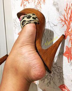 Feet Soles, Women's Feet, Beautiful High Heels, Sexy High Heels, Talons Sexy, Pantyhose Heels, Sexy Toes, Heeled Mules, Stiletto Heels