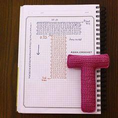 Alfabeto crochet - T Crochet Alphabet Letters, Crochet Letters Pattern, Letter Patterns, Cross Stitch Alphabet, Crochet Patterns, Crochet Gratis, Crochet Diy, Crochet Amigurumi, Crochet Home Decor