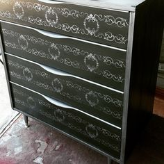 MCM piece I just finished. This poor thing was a wreck! Didn't even have legs!  #Paintcouturethecollection  #antiquesilver #metallicpaint #midcenturymodernfurniture  #stenciledfurniture  #mcmlover #paintedfurniture