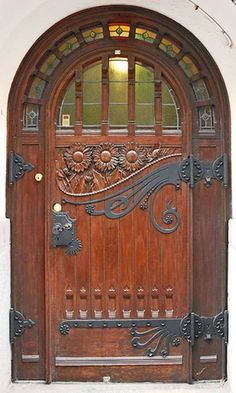 arched door, awesome Hinges
