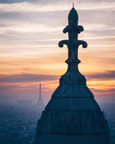 Sunset from Sacré Coeur  #Paris #montmartre #thisisParis #cathedral #travel #france #eiffeltower #pollution #agameoftones