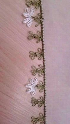 This Pin was discovered by Neş Crochet Unique, Border Pattern, Needle Lace, Bargello, Lace Making, Crochet Flowers, Tatting, Embroidery Designs, Needlework