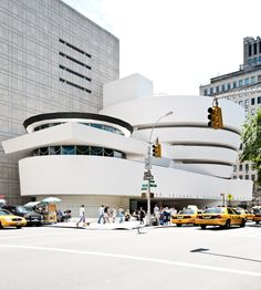 Frank Lloyd Wright - Guggenheim Museum in NYC