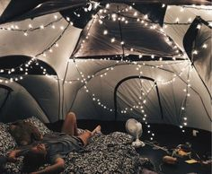 Essen VSCO tent sleepover Kids Bedroom Furniture Growing tots with their peculiar needs and ever-gro Sleepover Room, Fun Sleepover Ideas, Camping Aesthetic, Summer Aesthetic, Backyard Camping, Tent Camping, Camping Ideas, Camping Hacks, Camping Guide