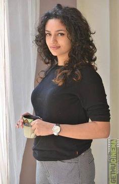 Tamil actress Malavika Nair - Indian film news and pictures Beautiful Girl Indian, Most Beautiful Indian Actress, Beautiful Girl Image, Most Beautiful Women, Cute Beauty, Beauty Full Girl, Beauty Women, Black Beauty, Beautiful Bollywood Actress