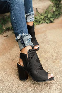 The Torrance Peep Toe Bootie in Black The Torrance Peep Toe Bootie inブラック The post The Torrance Peep Toe Bootie inブラック appeared first on Berable. The Torrance Peep Toe Bootie inブラック Black Peep Toe Boots, Open Toe Boots, Black Booties, Ankle Booties, Booties Outfit, Camilla, How To Wear Ankle Boots, Ballroom Dance Shoes, Fashion Heels