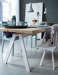 Stoere combi | vtwonen : schragentafel met metalen onderstel & stoer gezeept eikenhouten blad