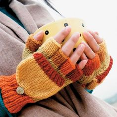 This fingerless gloves pattern makes two-way mitten gloves that combine the versatility of fingerless gloves with the warmth of mittens.