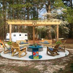 Fire Pit Swings, Diy Fire Pit, Fire Pit Backyard, Fire Pit Ideas With Swings, Fire Pit Gazebo, Fire Pit Decor, Pergola Patio, Backyard Patio, Backyard Landscaping