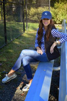 ideas basket ball game outfit preppy for 2019 Outfits With Hats, Preppy Outfits, Cute Outfits, Nerd Outfits, Baseball Game Outfits, Baseball Games, Baseball Sayings, Baseball Anime, Jean Outfits