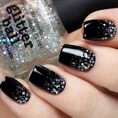 Decoradas unha com gliter, black silver nails, black glitter nails, silver sparkle nails Nail Art Design 2017, Cute Nail Art Designs, Black Nail Designs, Nails Design, Awesome Designs, Black Silver Nails, Black Nails With Glitter, Silver Glitter, Black Manicure